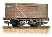 Bachmann 37-188 7 Plank wagon with Coke rails MOY (weathered)